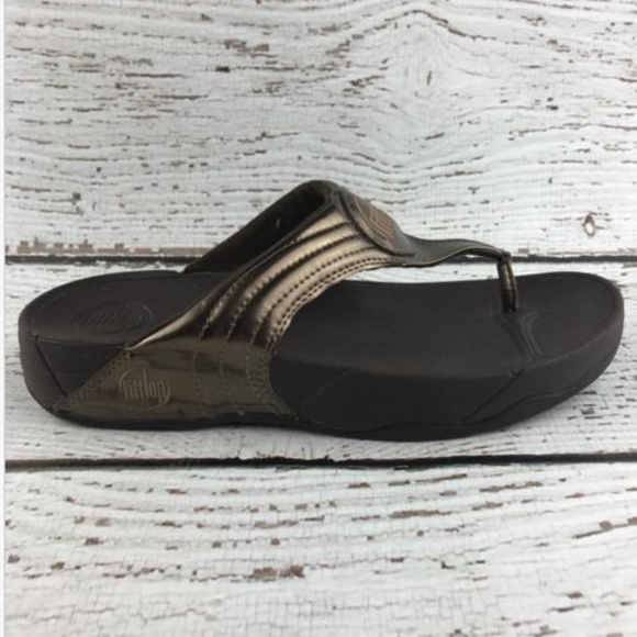 2347dacc89fd Fitflop Shoes - FitFlop Womens Size 9 Gold Thong Flip Flop Sandals
